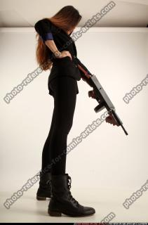 2017 09 PATRICIA TOMMYGUN POSE4 AIMING 06 C