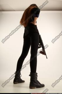 2017 09 PATRICIA TOMMYGUN POSE4 AIMING 05 C