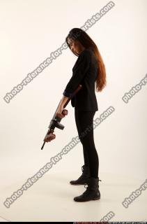 2017 09 PATRICIA TOMMYGUN POSE4 AIMING 02 B