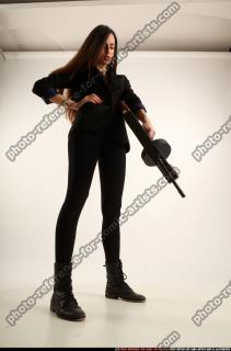 2017 09 PATRICIA TOMMYGUN POSE4 AIMING 07 C