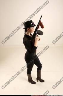 2017 11 CLAUDIA STEAMPUNK TOMMYGUN NEUTRAL POSE 06 A
