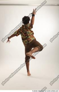 07 2018 01 ALBI DANCING POSE KRUMP