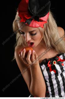 13 2018 01 KRISTYNA STANDING POSE WITH APPLE