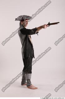 08 2019 01 JACK PIRATE STANDING POSE WITH GUN