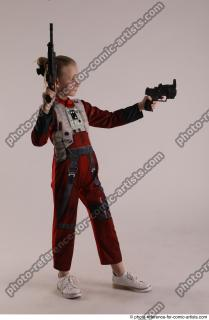 07 2019 01 DENISA WITH TWO GUNS