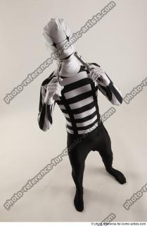 17 2019 01 JIRKA MORPHSUIT WITH TWO GUNS