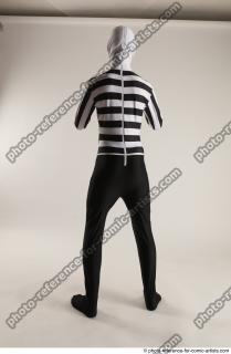 13 2019 01 JIRKA MORPHSUIT WITH TWO GUNS